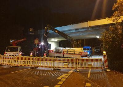 Straßensperre während Lärmschutzarbeiten in Straubing