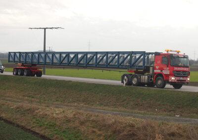 Transport mit Nachläufer von Völkl