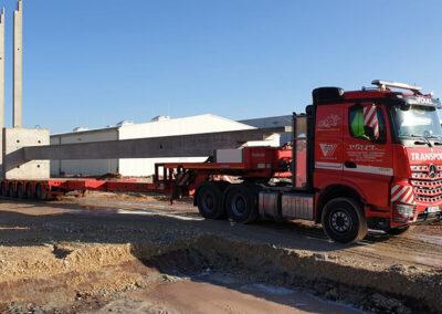 Transport von Bauelementen in Straubing