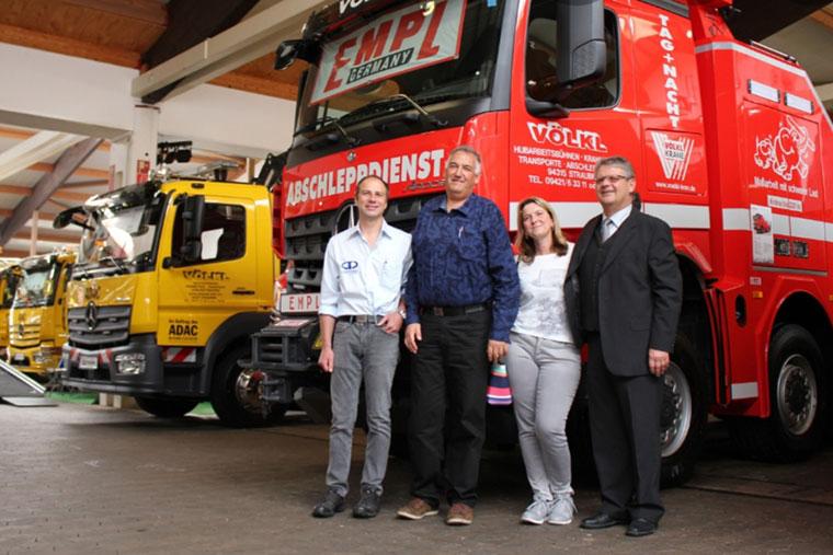 Das Team von Kran Völkl in Straubing